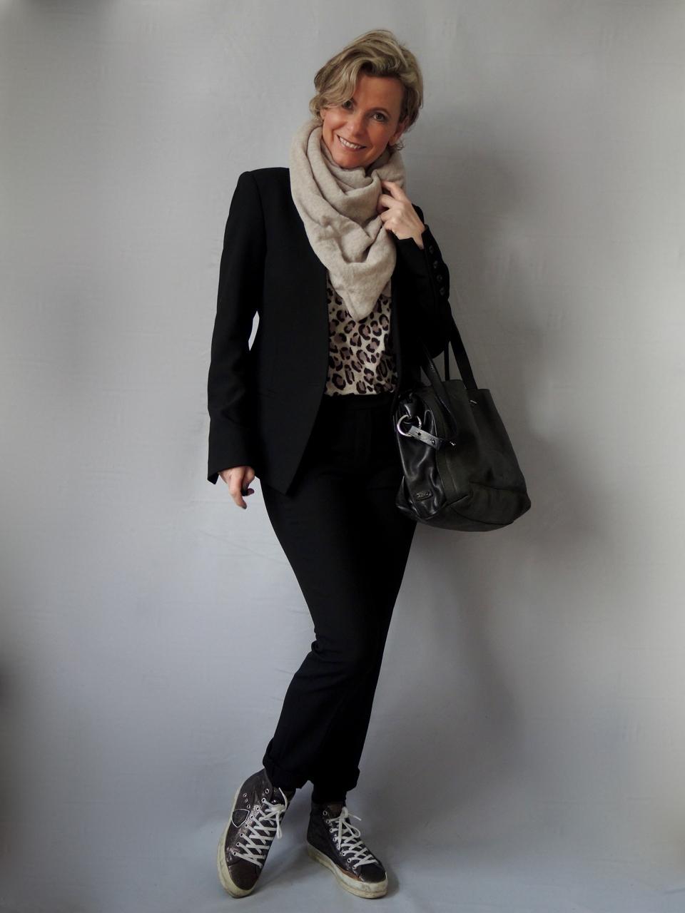leoshirt women2style. Black Bedroom Furniture Sets. Home Design Ideas