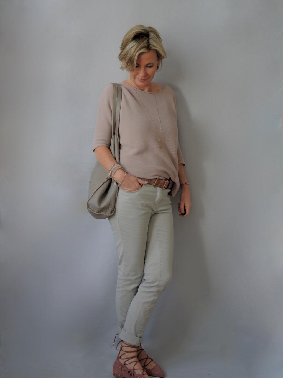 33cd3dadf10ada Kleidung fur die frau ab 50 – Stilvolle Abendkleider in Deutschland ...
