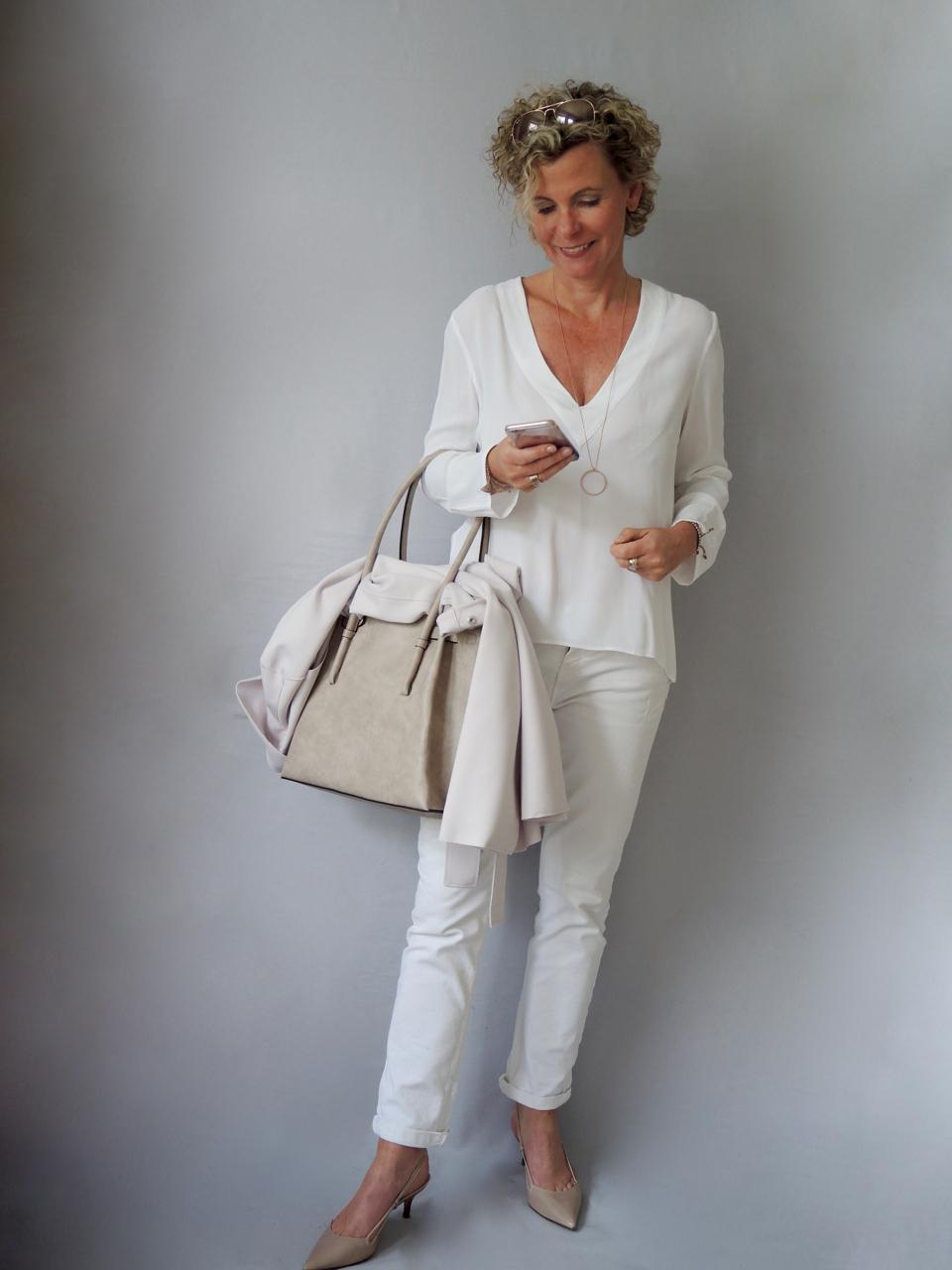 fcc8ba9a9cb Kleider fur frauen ab 40 jahren – Stilvolle Abendkleider in ...