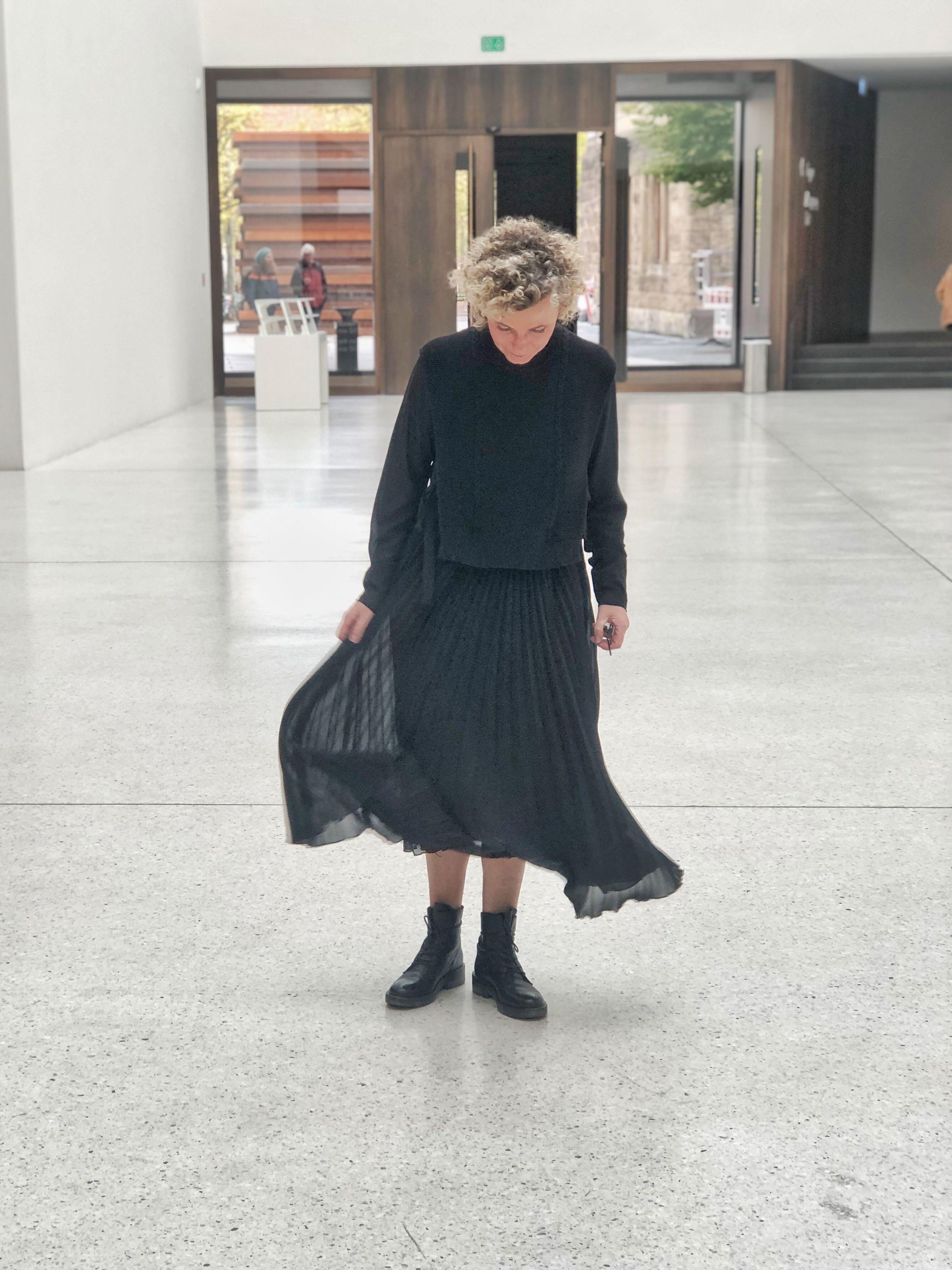 women9style 9, RIANI, Rianista, Boots, schwarzes Kleid, Herbst9019 ...