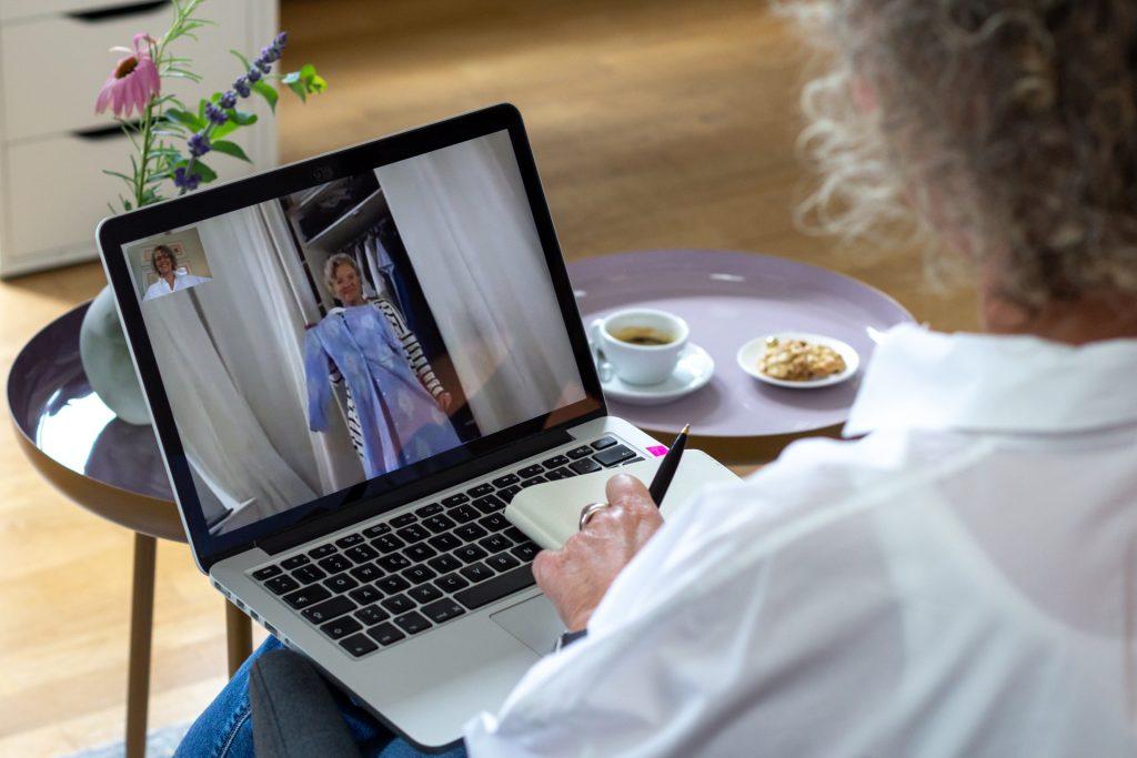 Onlinetreff-women2style-die_stilmacher-Onlineberatung-Kleiderschrankcheck-Fehlkauf