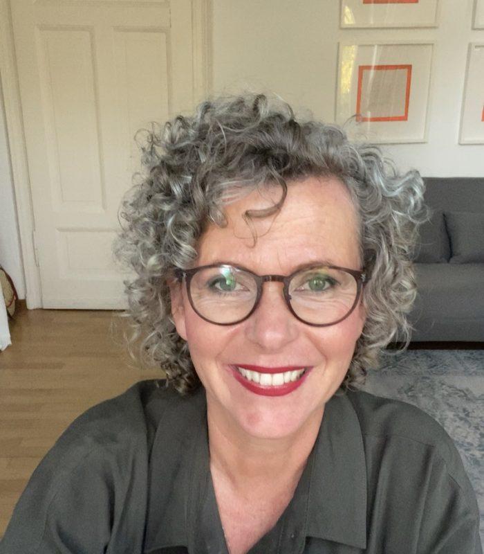 Grau-women2style-graue Haare