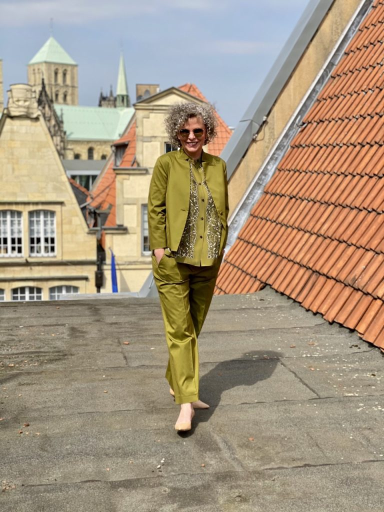 women2style-festliche Outfits- Sommerlook-50plus-Modeinspiration