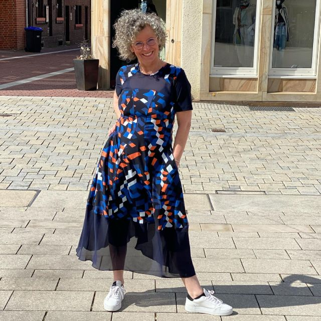 Als Vorbereitung 💙 Vielleicht wird's ja doch noch mal irgendwann warm 😇 Schöne Wochenmitte 💙 . 📌Werbung📌  Kleid @high_official über  @kostenbader_mode  . Preparation - may be some day summer will come 😇 . #high #cleanstyle #german_blogger #easystyle #ü50 #styleover50 #over50style #50plusstyle #ü50blogger #womenwithstyle   #klassiker #classy #effortless #effortlesschic #fashioninspo #outfitinspo #styleinspo #bestager #bestager50plus #over50blogger #overfifty #over50 #50pluswomen #fashionover50